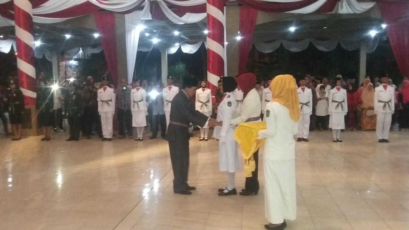 Ridho Yahya Kukuhkan 30 Anggota Paskibraka